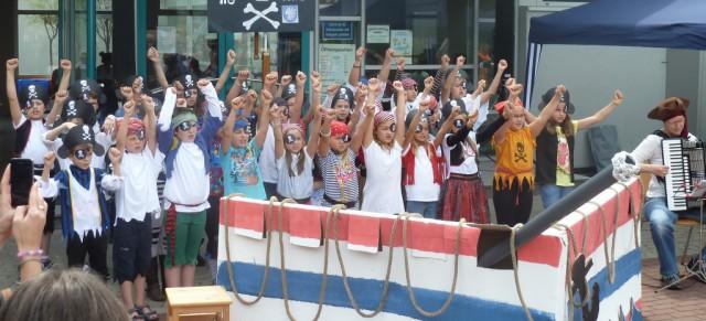 Seeräuberchor eröffnet Lichtensteiner Kinder- und Jugendaktionstag