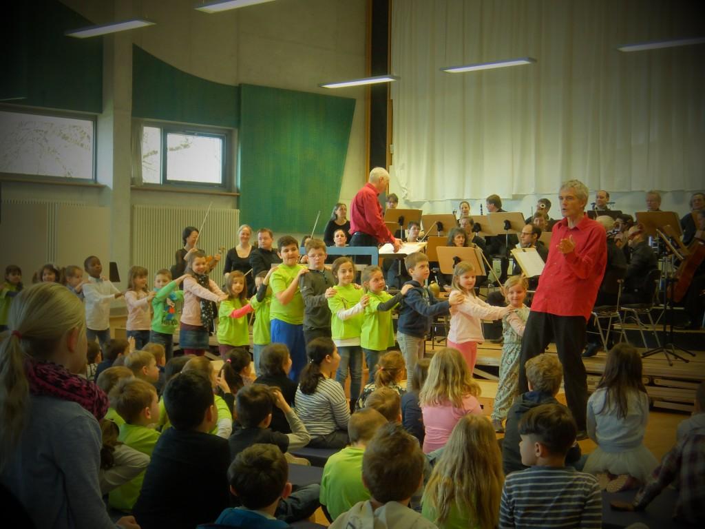"""Grundschule Lichtenstein besucht Kinderkonzert """"Das Zookonzert"""""""