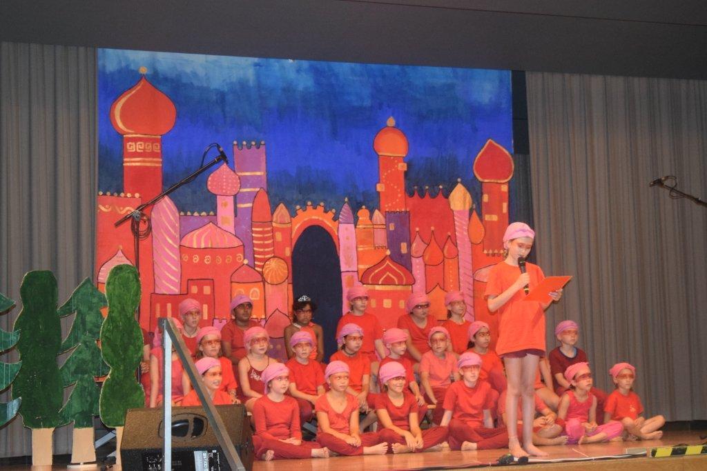"""Musicalaufführung """"ROTASIA"""" beim Lichtensteiner Kinder- und Jugendaktionstag"""