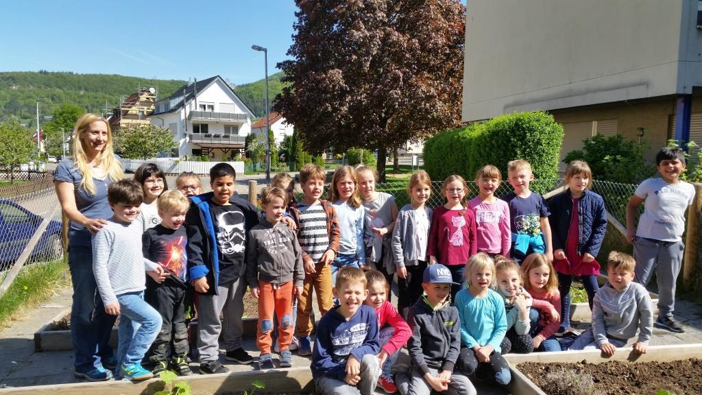 Lernen mit allen Sinnen im Schulgarten